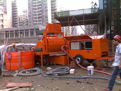 Foam concrete machine for fuel tank building