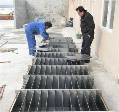 Manual mold for making concrete block